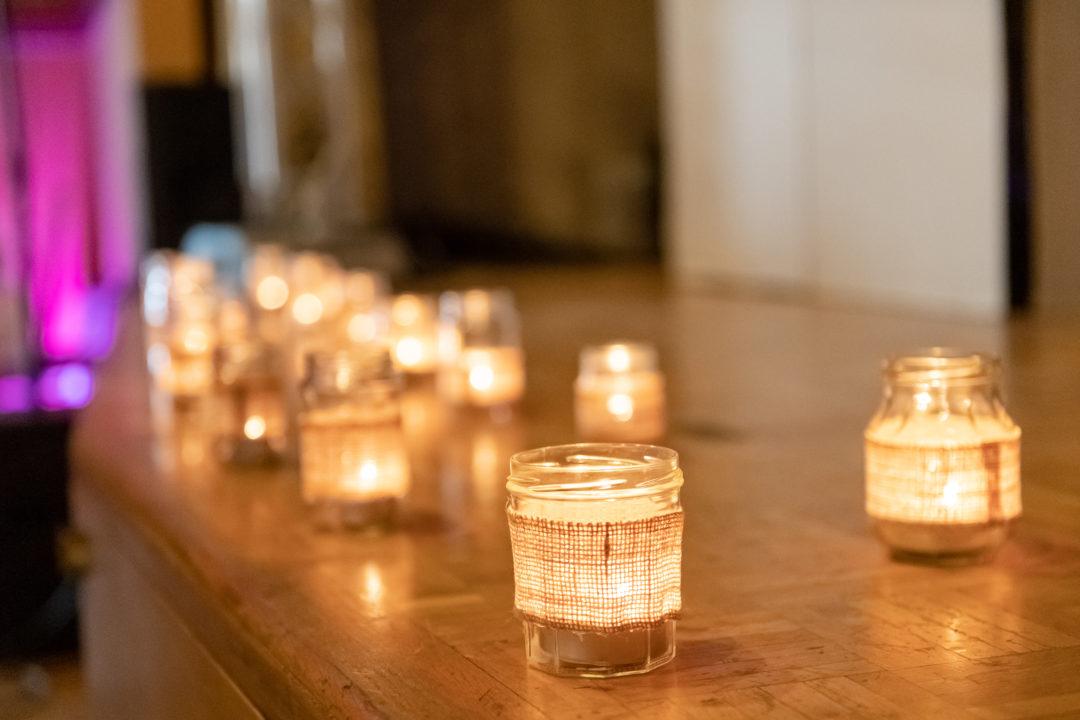 Lueur des bougies.Géraldine wedding planner. Wedding planner suisse